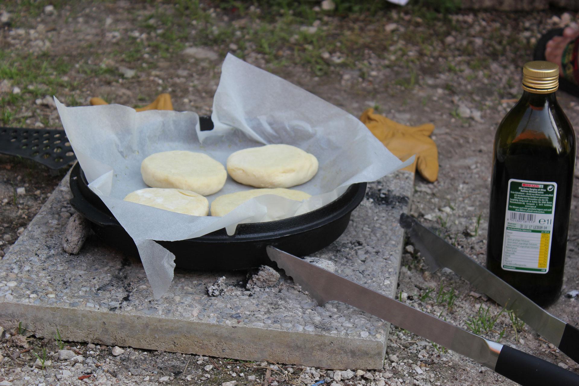 Outdoorküche: Kochen unabhängig von Strom - Gas - Benzin 5
