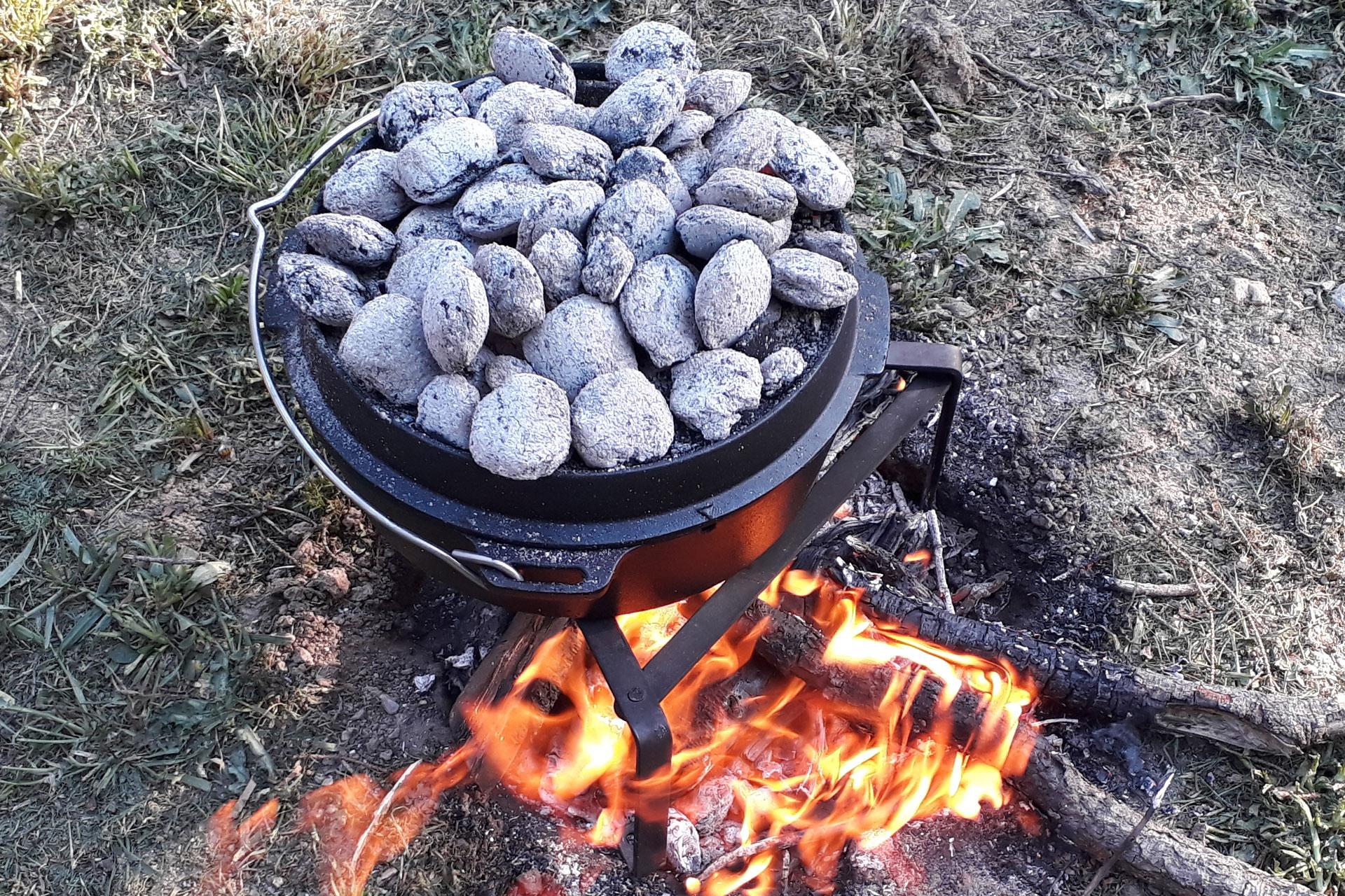 Outdoorküche: Kochen unabhängig von Strom - Gas - Benzin 1