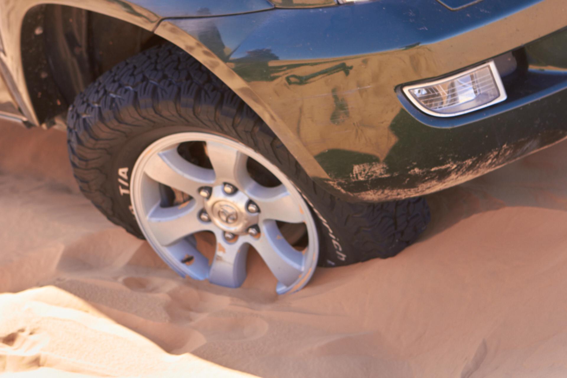 Reifen von Felge gezogen