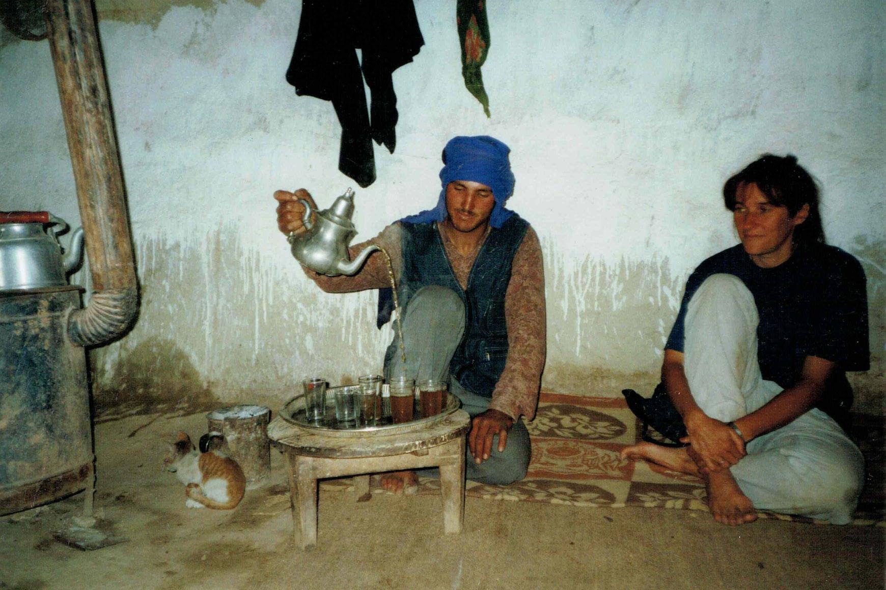 Tee bei Freunden in Marokko