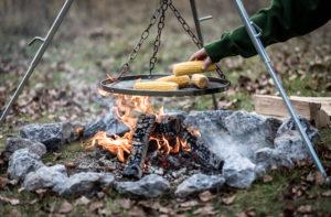 dreibein draussen kochen camping